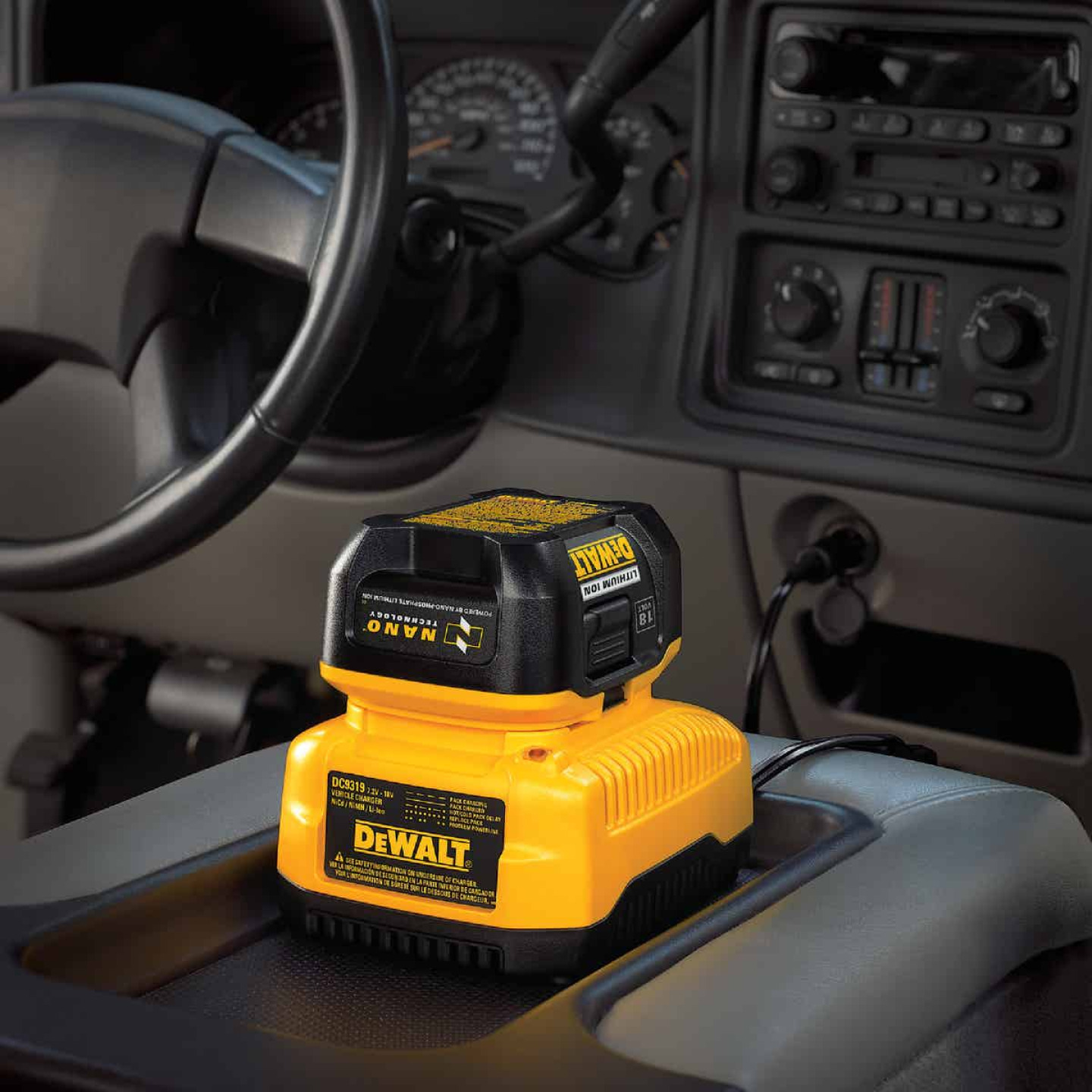 DeWalt 7.2-Volt to 18-Volt Nickel-Cadmium/Nickel-Metal Hydride/Lithium-Ion Vehicle Battery Charger Image 2